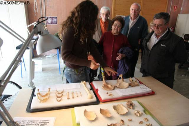 "Group of visitors in the area of anthropology of ""The living Museum""."